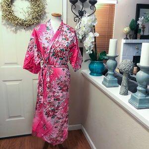 AUTHENTIC Japanese Pink Geisha Design Kimono!!